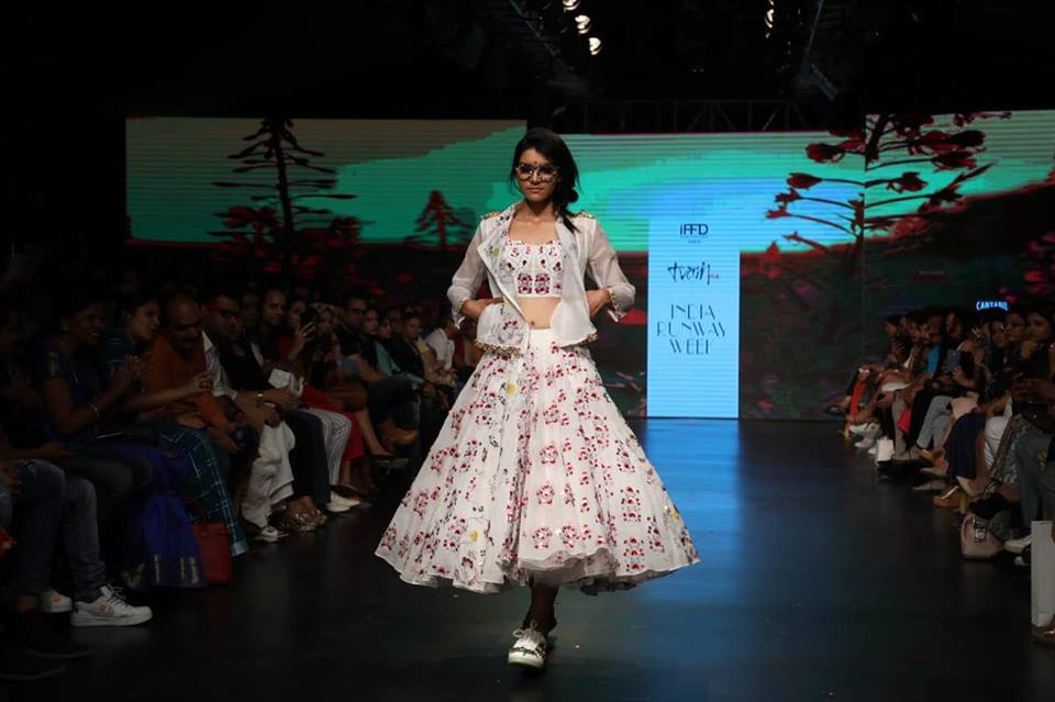 India Runway week 2019 - India Runway Week 2019 Season 11|Actress Rashami Desai walks the Ramp, New Delhi